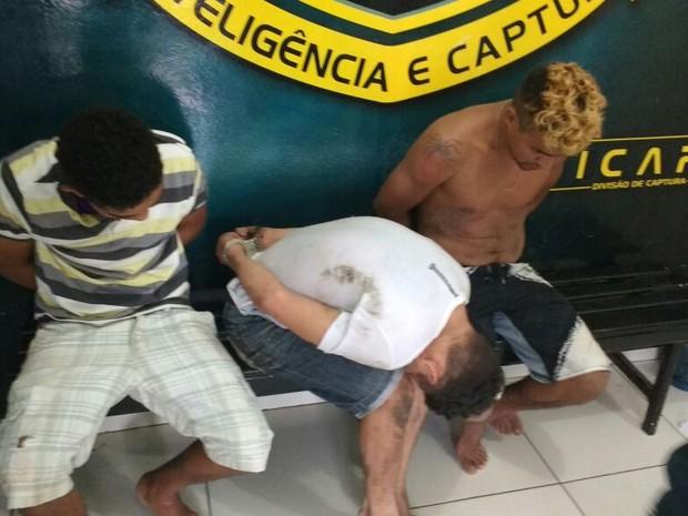 Presos capturados foram levados para a Dicap (Foto: Marcelo Marques/ G1 RR)
