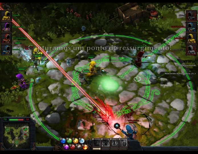 Durante as batalhas cooperativas, o jogador deverá curar e proteger seus aliados e combinar ataques contra os adversários (Foto: Reprodução/Daniel Ribeiro)