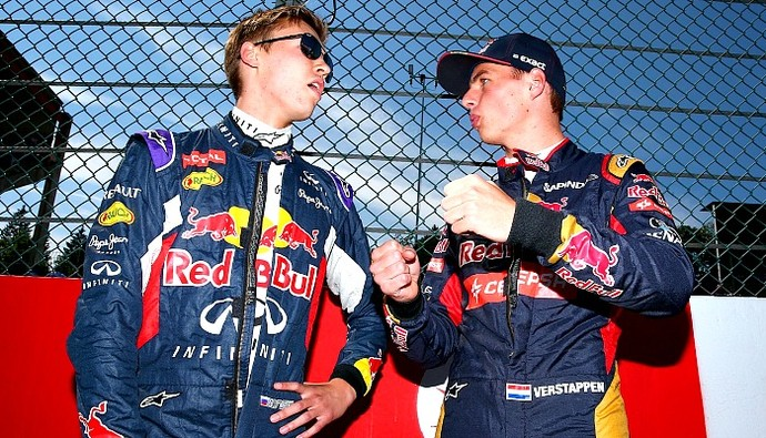 Daniil Kvyat e Max Verstappen conversam no grid do GP da Bélgica de 2015 (Foto: Getty Images)