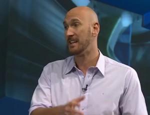 Comentarista Nalbert em participacao no SporTV News (Foto: Reprodução SporTV)