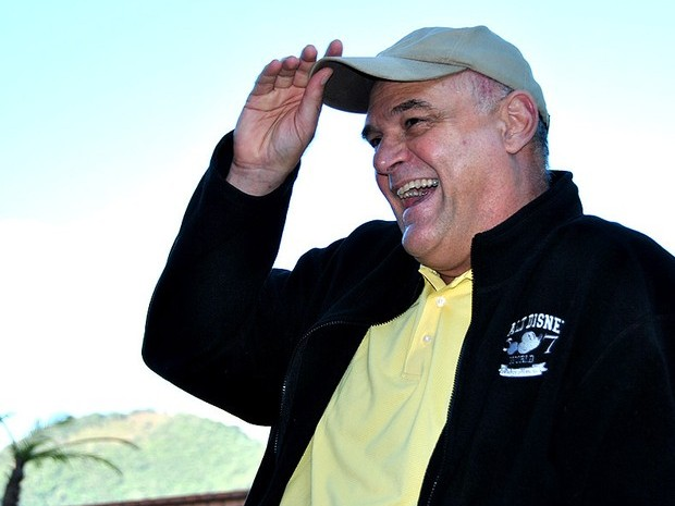 Oscar Schmidt se mostrou confiante e sorridente em coletiva de imprensa (Foto: João Gabriel Rodrigues)