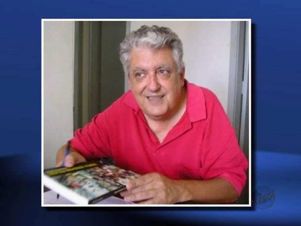 Escritor Jefferson Andrade é enterrado em Paraguaçu (Foto: Escritório de Histórias/Reprodução EPTV)