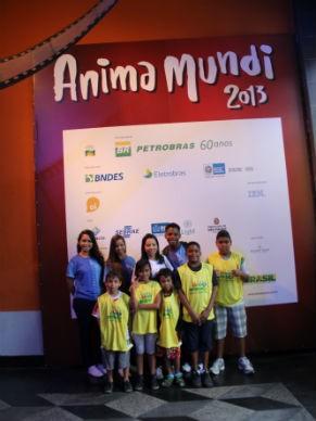 Grupo do Espaço Criança Esperança RJ que visitou o Festival Anima Mundi 2013 (Foto: Divulgação / Camila Romana)