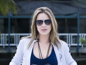 Leticia Birkeheuer é a professora de Educação Física Monique, do Colégio Leal Brazil, na nova temporada de Malhação (Foto: Caiuá Franco / Globo)
