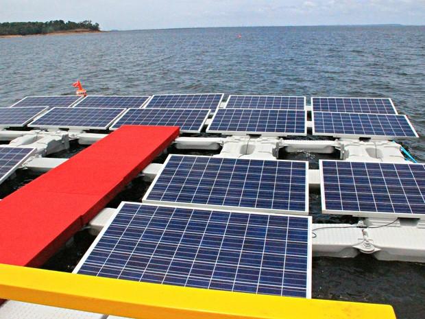 Com investimentos de R$ 55 milhões, a previsão é que até o primeiro semestre de 2017, a usina seja finalizada fornecendo para a rede 5 megawatts (Foto: Ive Rylo / G1 AM)