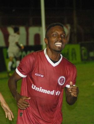 Acerola marcou o gol que classificou a Desportiva ao Hexagonal Semifinal do Capixabão (Foto: Henrique Montovanelli/Desportiva Ferroviária)
