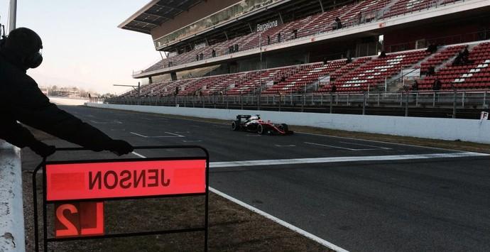 Jenson Button - McLaren - testes de pré-temporada da Fórmula 1 - Barcelona - dia 1 (Foto: Divulgação)