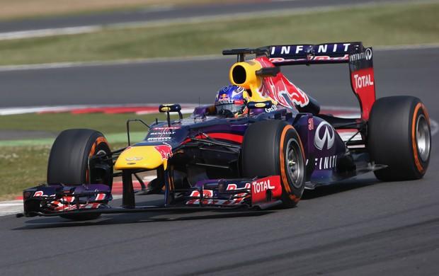 Daniel Ricciardo pilota pela primeira vez a RB9 (Foto: Getty Images)
