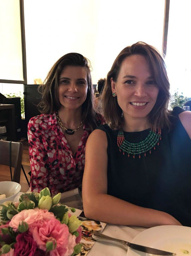 A diretora da Swarovski, Carla Assumpção, e a diretora de redação de Marie Claire, Marina Caruso (Foto: Reprodução / Instagram)