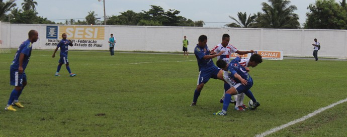 Parnahyba x Barras pela quarta rodada do Piauiense (Foto: Josiel Martins)