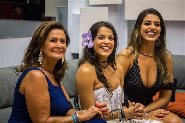 Mulheres no poder: as três finalistas Ieda, Emilly e Vivian  (Foto: Paulo Belote/ TV Globo)
