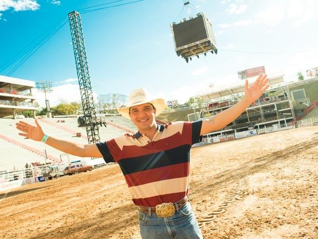 Baldissera diz que realizou os dois maiores sonhos: montar e cantar na arena de Barretos (Foto: Érico Andrade/G1)