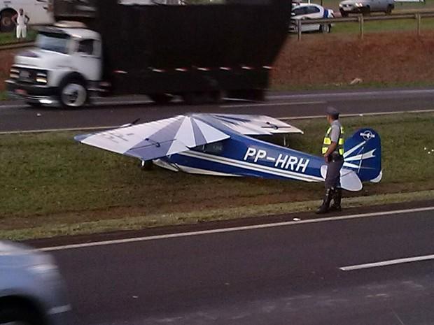 Mesmo com a queda, o trânsito não foi paralisado (Foto: Cristian Marques/ Divulgação)