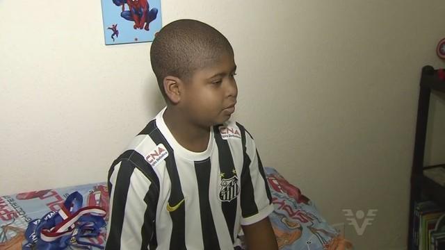 Garoto Bryan tem leucemia e precisa de transplante (Foto: Reprodução/TV Tribuna)