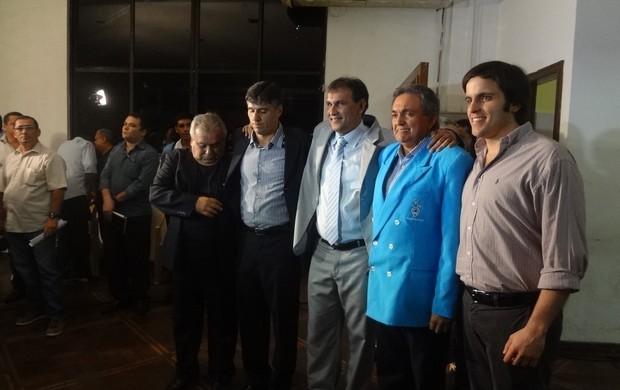 Vandick na companhia de membro de sua diretoria (Foto: Jorge Sauma / GLOBOESPORTE.COM)