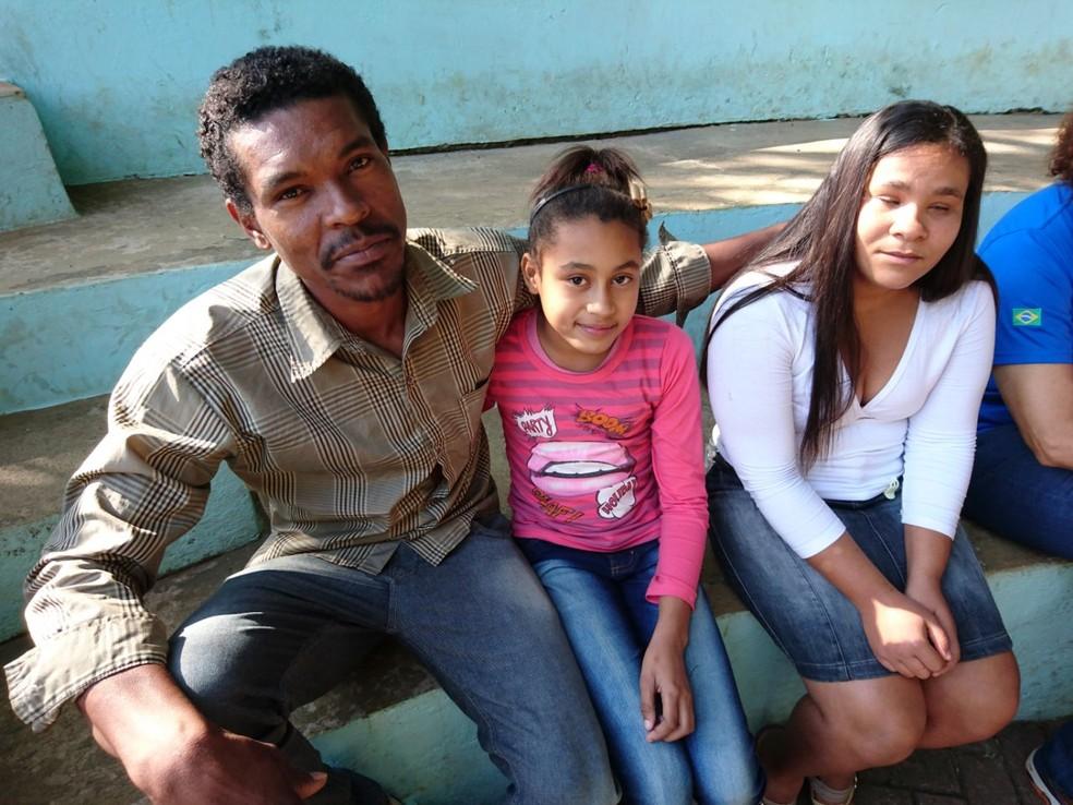 Josilane de Jesus, que tem baixa visão severa, participou da atividade acompanhada do marido e da filha (Foto: Fernanda Szabadi/G1)