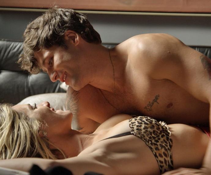 O produtor de eventos tem encontro com Vanessa (Foto: TV Globo)