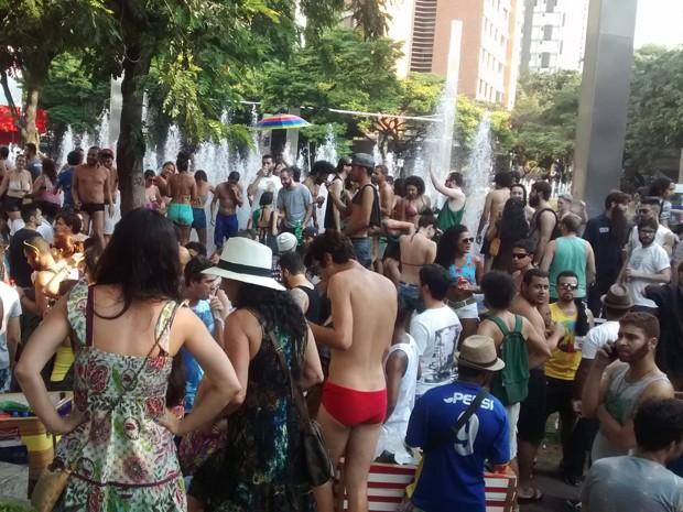 Savassi recebe o Praia da Estação, em Belo Horizonte.  (Foto: Thais Pimentel/ G1)