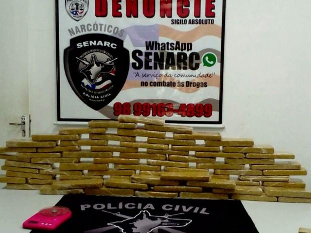 Maconha estava embalada em 70 tabletes e foi apreendida por policiais da Senarc em São Luís, MA (Foto: Reprodução/TV Mirante)