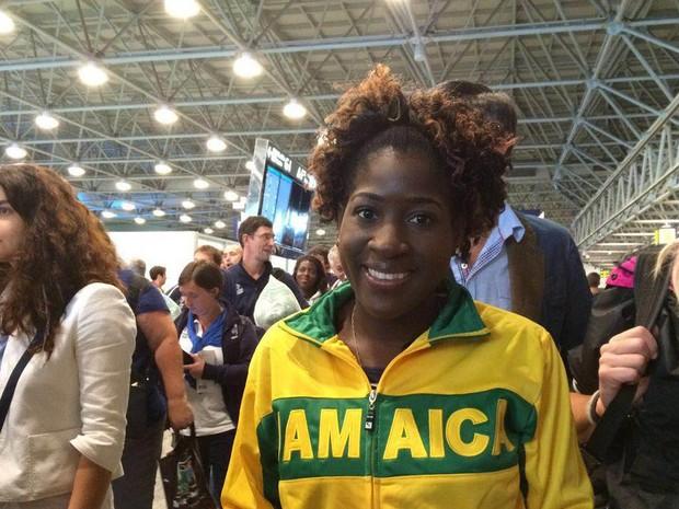 Tassia Stewart, da Jamaica, garantiu que não se chateou com o tempo de espera nas filas do Galeão (Foto: Patricia Teixeira/G1)