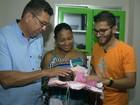 Bebê nasce dentro de carro de autoescola em Vila Velha, ES