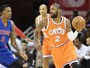 Bolas de três e triplo-duplo de LeBron: Cavaliers massacram os Pistons