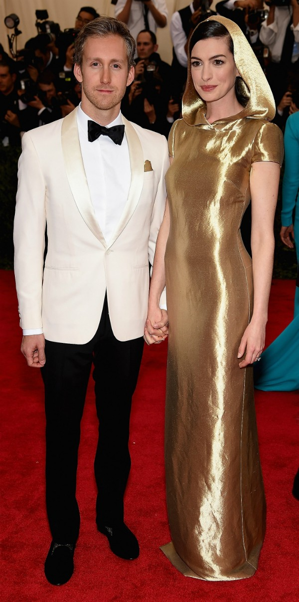 Anne Hathaway e seu marido, Adam Shulman (Foto: Getty Images)