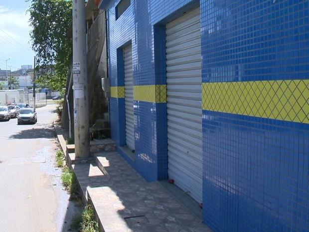 O salão fica na rua principal do bairro Santo André. (Foto: (Foto: Reprodução/ TV Gazeta))