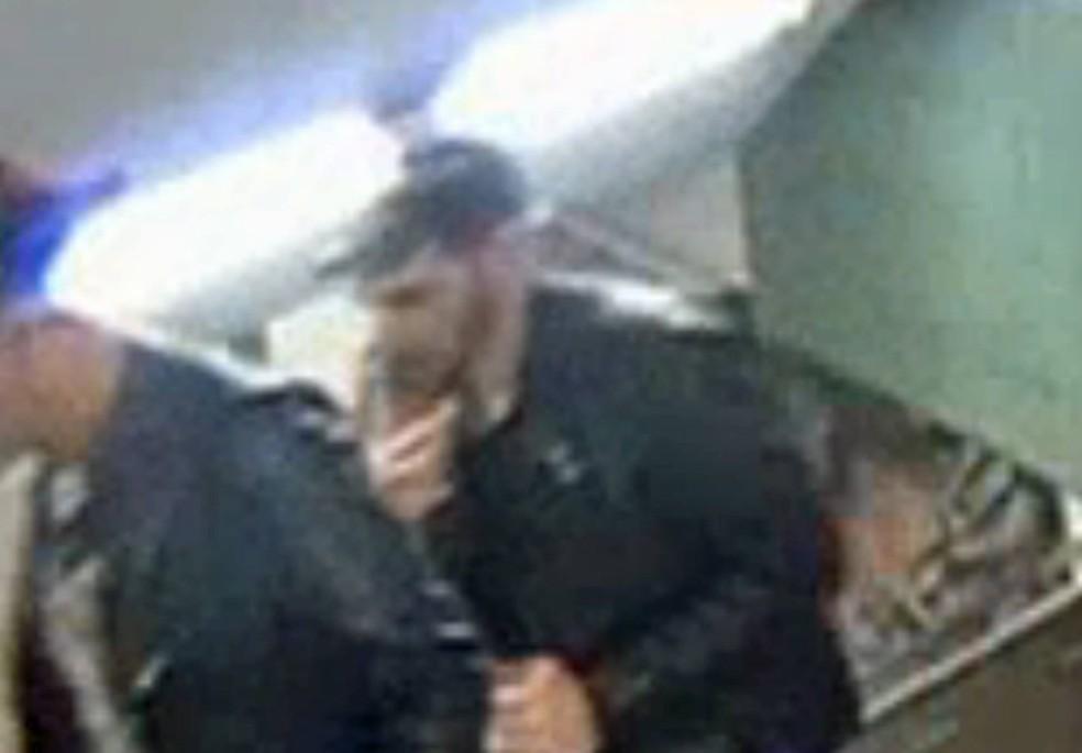 Suspeito foi ideintificado pelas autoridades alemãs (Foto: AFP)