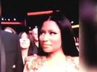 Nicki Minaj desvia o olhar ao ver Jennifer Lopez dançando seu hit