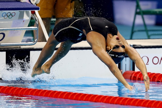 Etiene Medeiros natação brasil (Foto: Satiro Sodré/SSPress)
