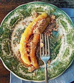 Banana caramelada com farofa de paçoca (Foto: Casa e Comida)