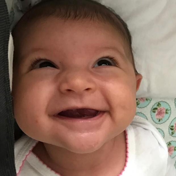 Nina, filha de Carol Castro e Felipe Prazeres (Foto: Reprodução/Instagram)