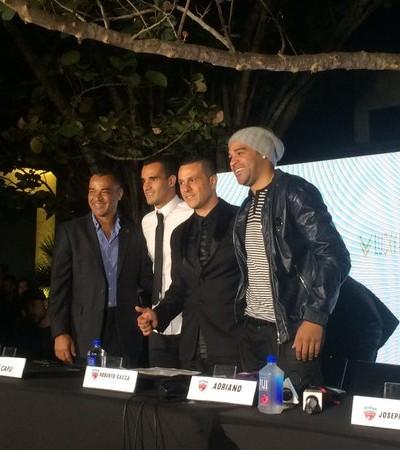Cafu, Wellington Monteiro, Roberto Bacca e Adriano Miami United (Foto: Fabrício Marques/GloboEsprote.com)