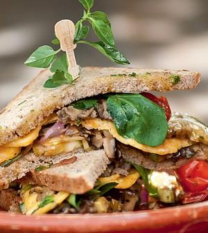Veggie -Mostarda, mel e alho assado dão mais sabor aos legumes grelhados (Foto: Ricardo Corrêa)