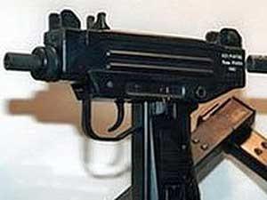 A submetralhadora Uzi é capaz de disparar 600 projéteis por minuto. (Foto: AFP Photo)
