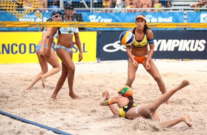 Talita e Taiana, vôlei de praia, etapa Alagoas (Foto: Jonathan Lins/G1)