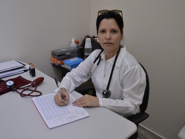 Yamiley saiu de Cuca com o marido para atender pacientes em Linhares (Foto: Viviane Machado/ G1)