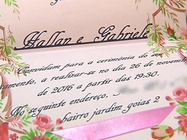 Jovem morre em acidente enquanto entregava convites do casamento em Goiás (Foto: Reprodução/TV Anhanguera)