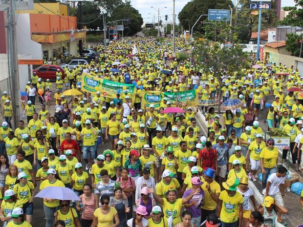 Caminhada da Fraternidade reuniu uma multidão em Teresina (Foto: Gilcilene Araújo/G1)