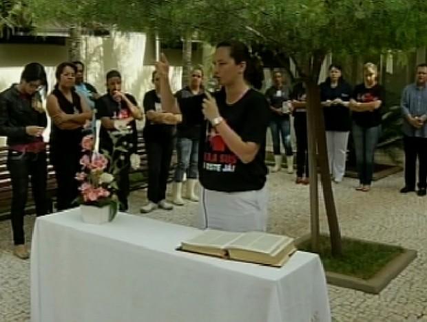 Culto ecumênico foi realizado em Votuporanga (Foto: Reprodução / TV Tem)