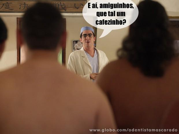 Paladino quase enfrenta lutadores de sumô... Quase.... (Foto: O Dentista Mascarado / TV Globo)