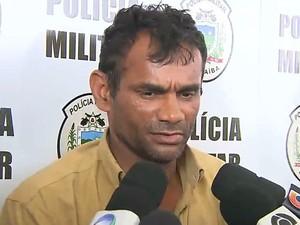 Suspeito de matar companheira e enteada foi preso na noite do domingo (4) em João Pessoa (Foto: Reprodução/ TV Cabo Branco)