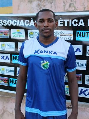 Vitor Salvador, zagueiro do Altos (Foto: Wenner Tito )