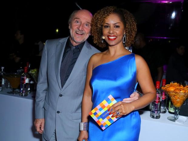 Hans Donner e Valéria Valenssa em festa no Centro do Rio (Foto: Marcello Sá Barretto e Alex Palarea/ Ag. News)