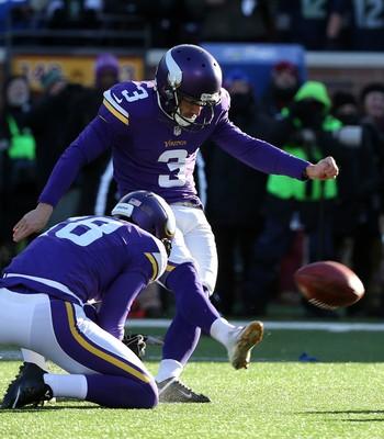 Blair Walsh erra field goal decisivo vikings x seahawks - playoffs nfl (Foto: Reuters)