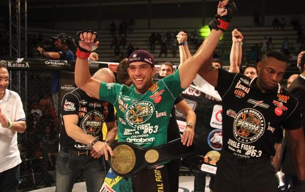 Rodrigo Monstro vence Gabriel Gorilla e é campeão no Jungle Fight 63 (Foto: Igor Mota / Jungle Fight)
