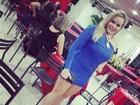 Paulinha mostra resultado da dieta em vestido justo e curto