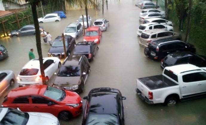 Chuva Maresias (Foto: Filipe Rodrigues)