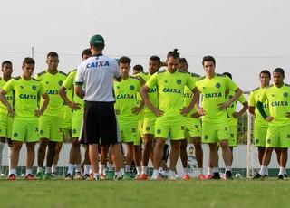 Jogadores do elenco do Goiás em treino (Foto: Rosiron Rodrigues/Goiás E.C.)